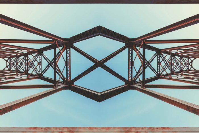 Top view of a symmetrical bridge.