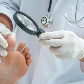 05-tiny-subtle-signs-disease-feet-reveal