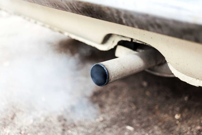 car's exhaust pipe