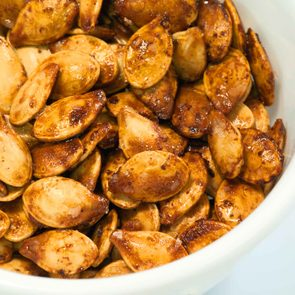 complete_proteins_arent_meat_pumpkin_seeds