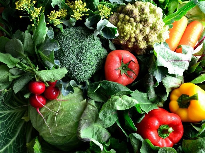 Green vegetables with colorful vegetables