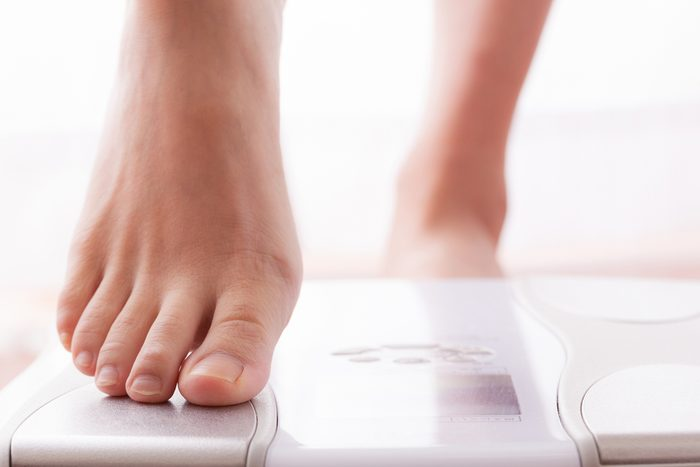 Women who get on the scale , diet , beauty
