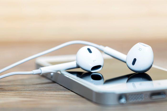 headphones and phone depth of field