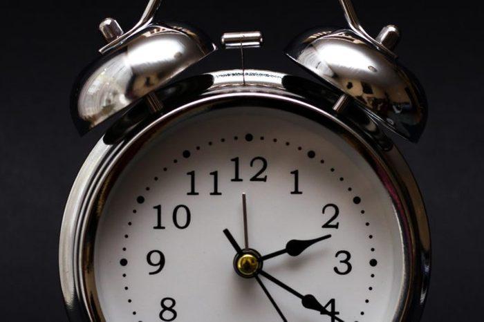clock close up 2
