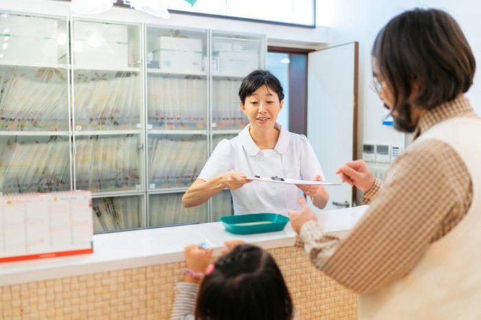 dentist receptionist desk