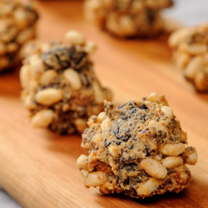 Almond and Date Power Bites