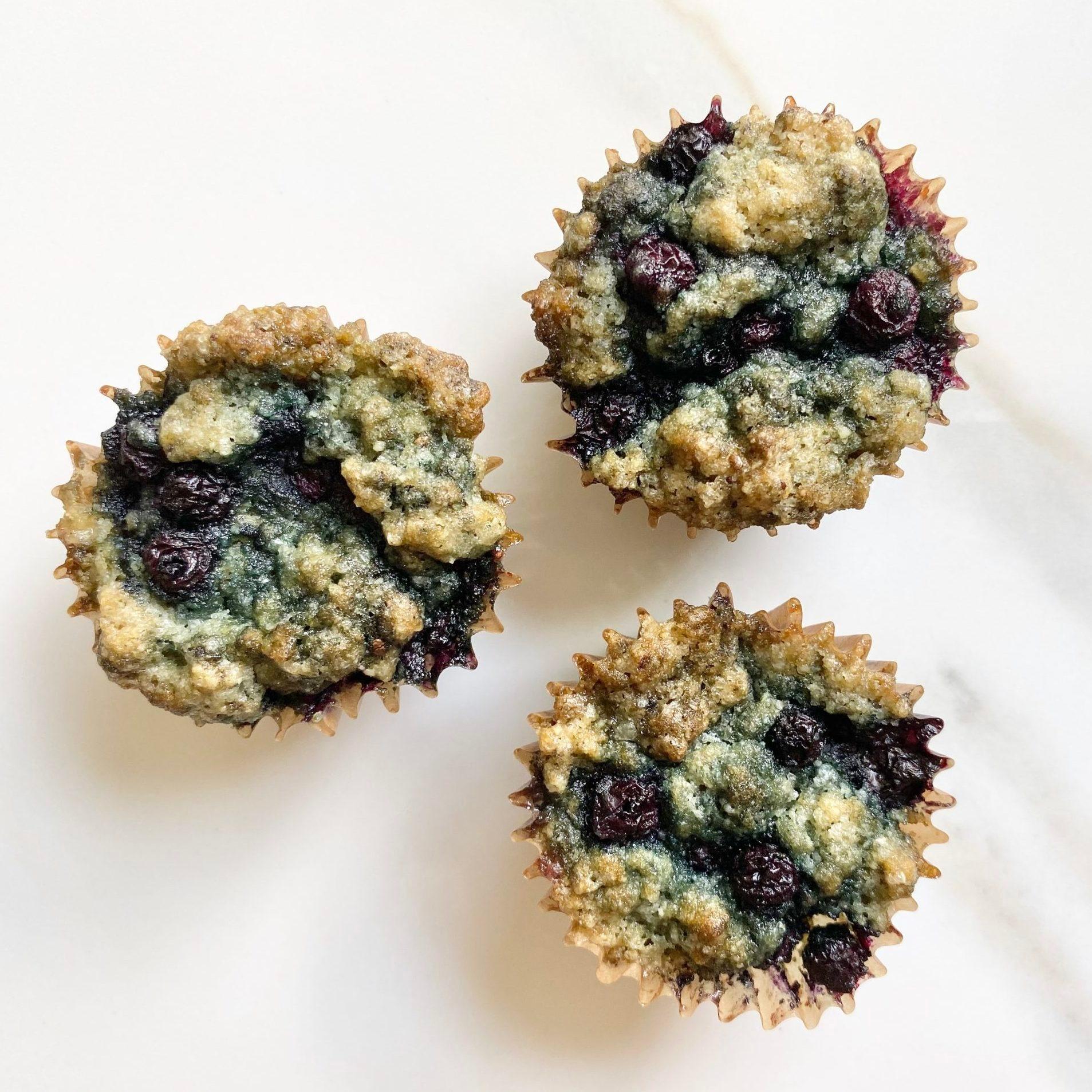 healthy blueberry minimuffins