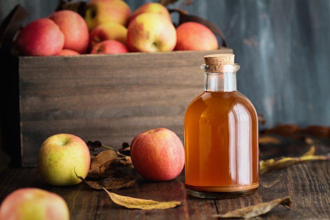 Apple Cider Vinegar with Fresh Apples