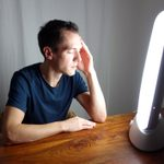 What Is Insomnia Light Therapy? Here's How It Works