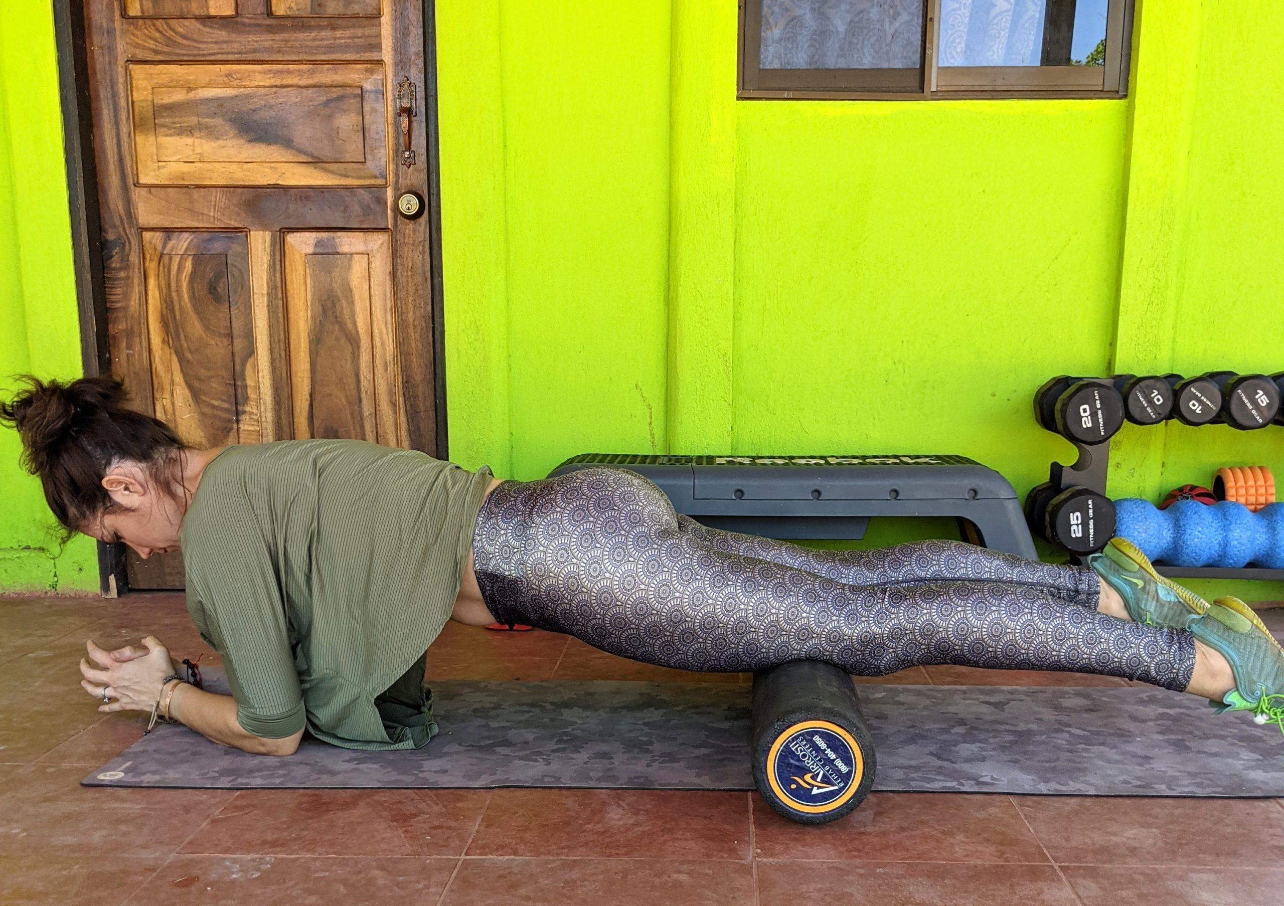 Quadriceps roll both legs