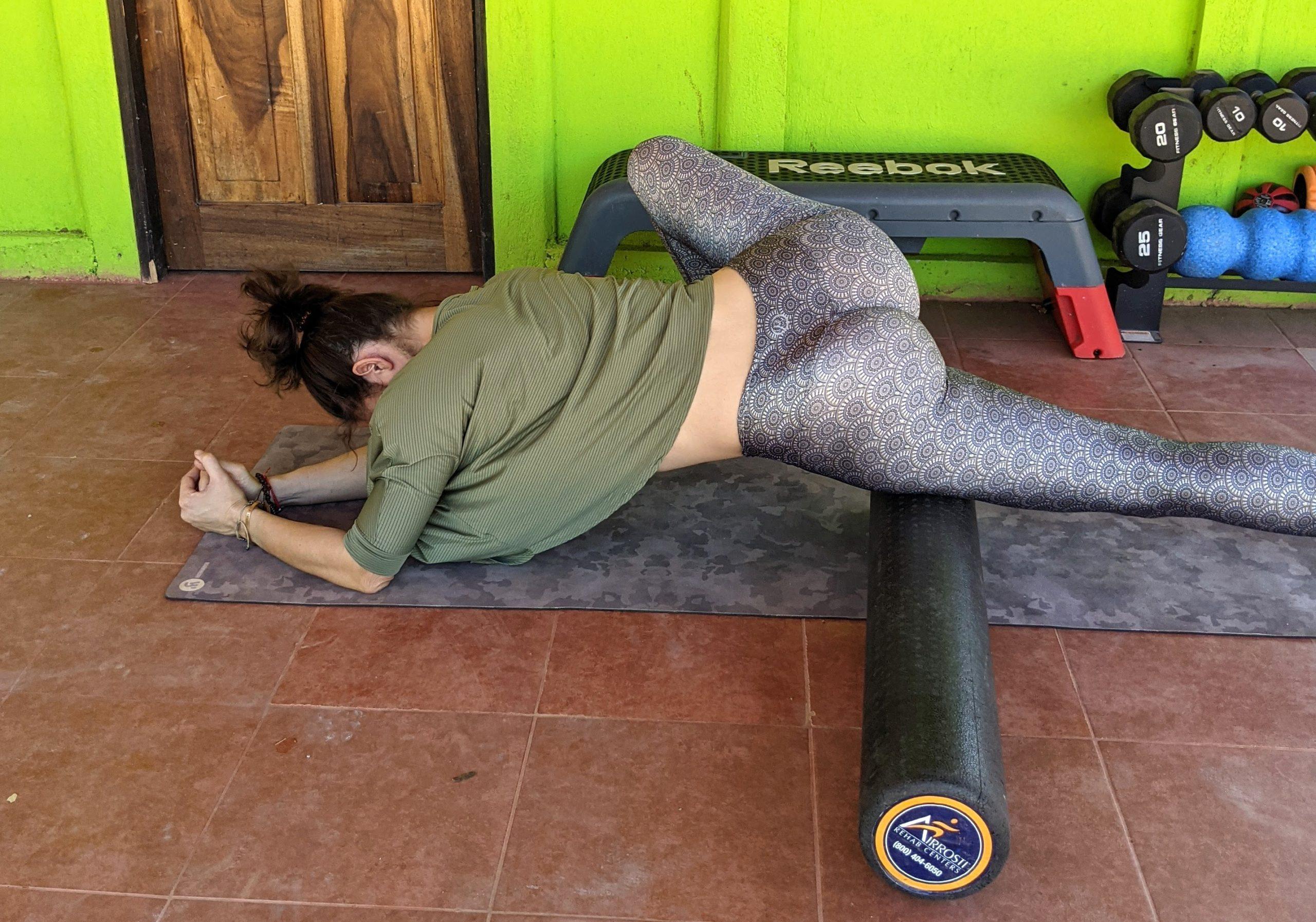 Quadriceps roll single leg