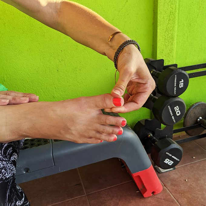 Great Toe Self-Traction Exercise