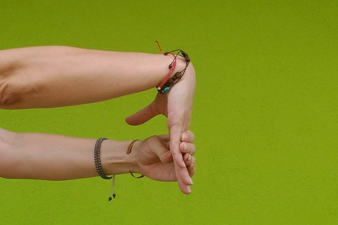 Open chain wrist flexion