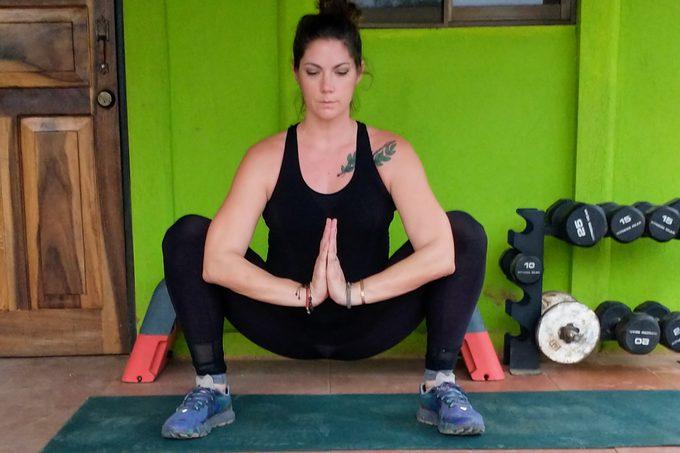 Yogi Squat Stretch2