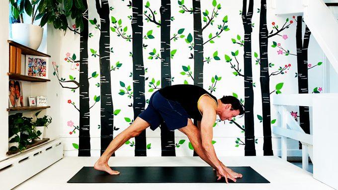 straight leg lunge yoga pose