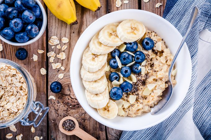 oatmeal with blueberries and banana